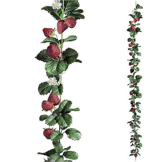Strawberry chain with leaves